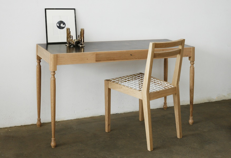http://jamesmudge.com/files/gimgs/1_brass-topped-dressing-table-drawer-closed-with-chair_v2.jpg