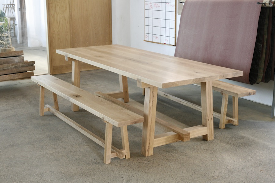 http://jamesmudge.com/files/gimgs/1_oak-table-28m.jpg
