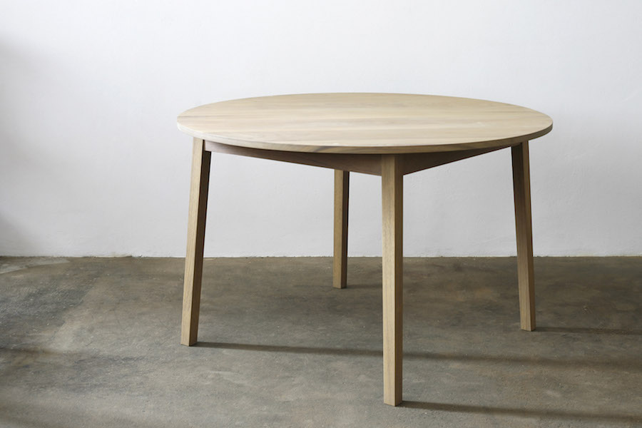http://jamesmudge.co.za/files/gimgs/1_round-iroko-table-undressed.jpg