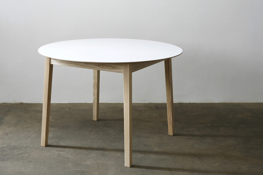 http://jamesmudge.com/files/gimgs/1_round-white-top-table-undressed-copy.jpg